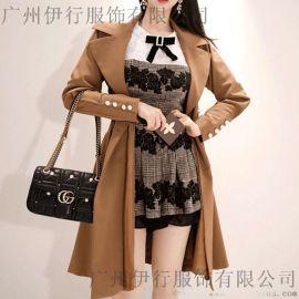 羽纱国际品牌折扣女装货源特色 天津女装品牌折扣批发尾货紫色风衣