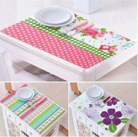 厂家直销时尚印花PP餐垫 PP防水桌垫 隔热垫 本产品4张为一套