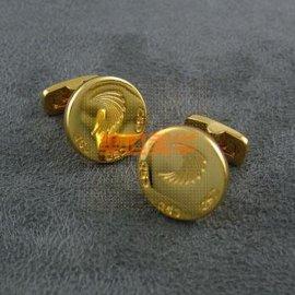 金色logo袖扣(MD-11009)