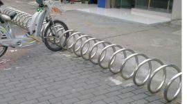 湛江**的不锈钢双面自行车停放架生产厂家在哪里?东莞新恒安