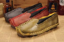 广州真皮女鞋厂家批发外贸真皮个性复古手工缝制原创民族风格舒适休闲真皮文艺特色牛皮女鞋女靴子等现货批发,支持混批