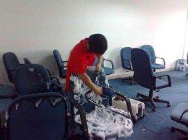 **专业的沙发清洗公司萝岗区专业清洁商务办公沙发公司