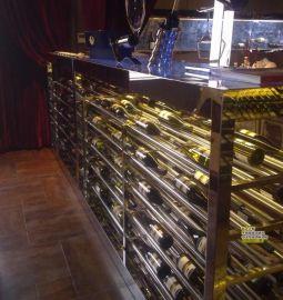 酒莊玫瑰金不鏽鋼酒櫃定制 恆溫恆溼酒窖 酒架定做