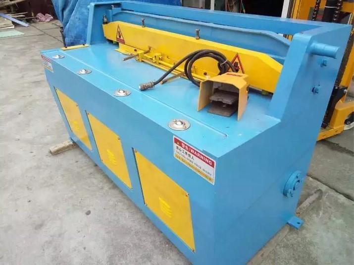 上海CANZ牌小型精密剪板機 Q11-2x1300電動精密剪板機