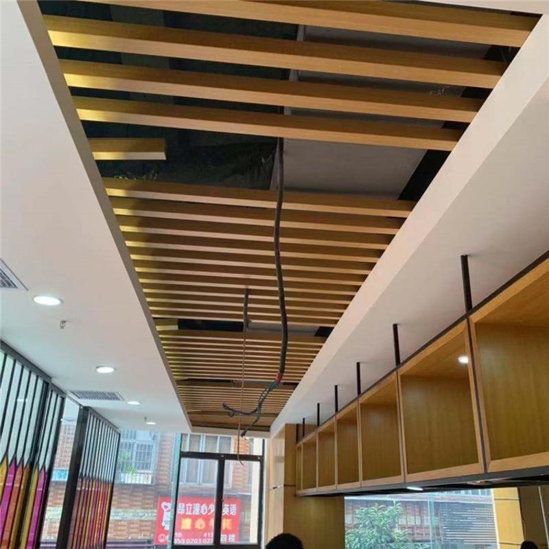 仿木铝方管装饰仿古餐厅【斜顶风格】 专业铝方通厂家定制