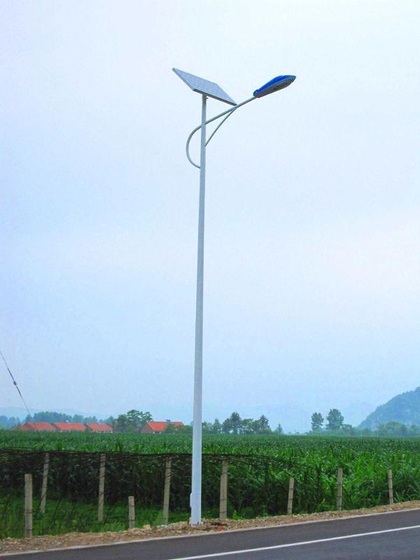 湖南邵阳太阳能路灯厂家 浩峰太阳能路灯价格 6米路灯杆价格