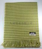 亞克力千鳥格紋黃綠色圍巾保暖舒適
