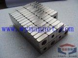 厂家供应高性能双面磁铁,硅橡胶模具专用强磁钢
