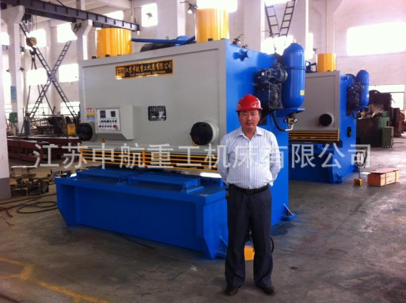 熱銷供應新款 優質液壓QC11Y鋼結構建築閘式剪板機 可定製
