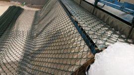 供应勾花网 镀锌铁丝网 体育场围网
