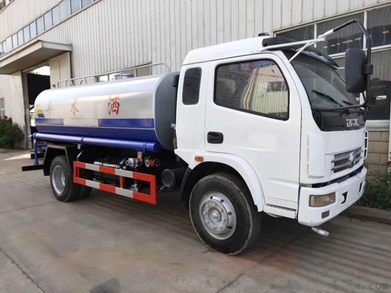 东风御虎12吨绿化洒水车