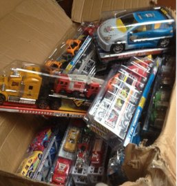 库存玩具-车类,各种惯性车为主等称斤批发非常热销