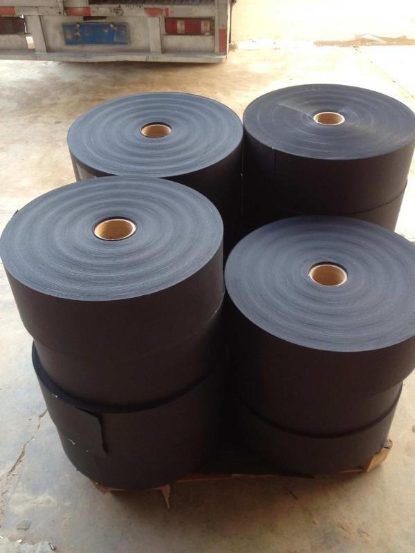 120克黑卡纸787mm卷筒和889mm卷筒黑卡