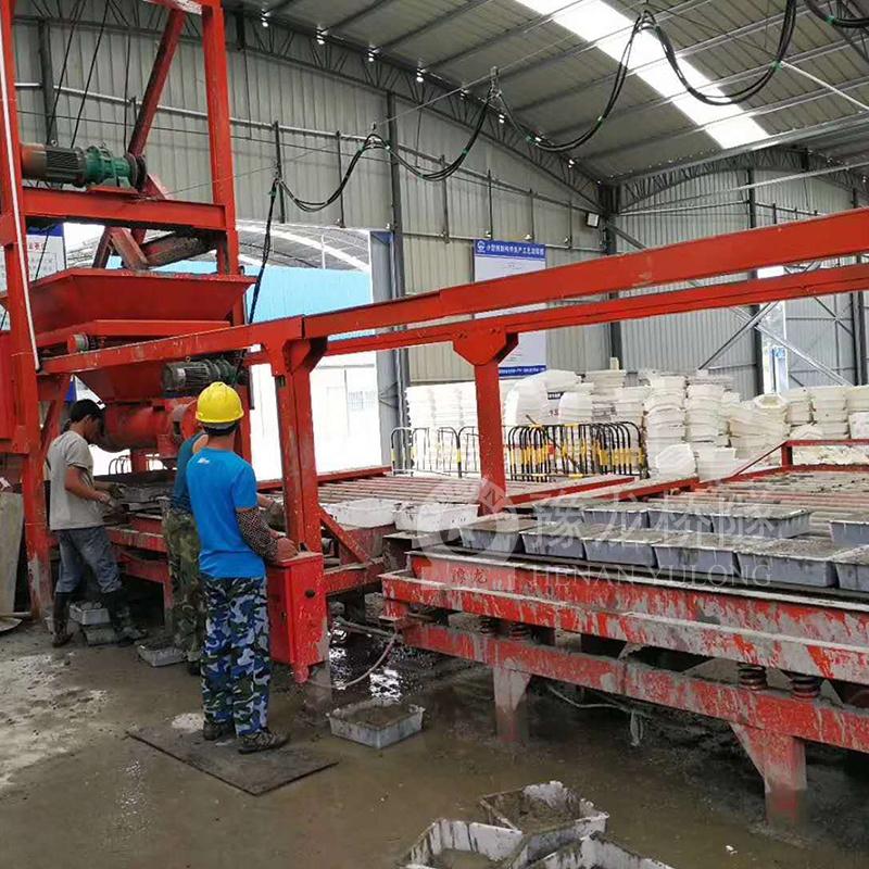 贵州边沟盖板小型预制场布料机价格