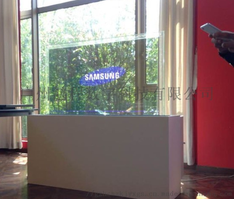 OLED透明显示屏 视觉上的新体验