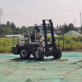 厂家供应 柴油四驱越野车叉车 5吨越野车叉车