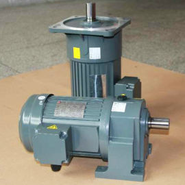 苏州齿轮减速电机厂家 迈传550W小型齿轮减速机