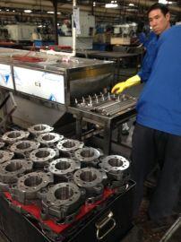 番禺供应液压系统汽车油泵壳除油污通过式网带超声波清洗机清洗烘干机
