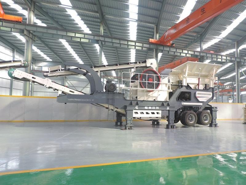 通用鄂式移动破碎机 大型移动轮胎式破碎站厂家