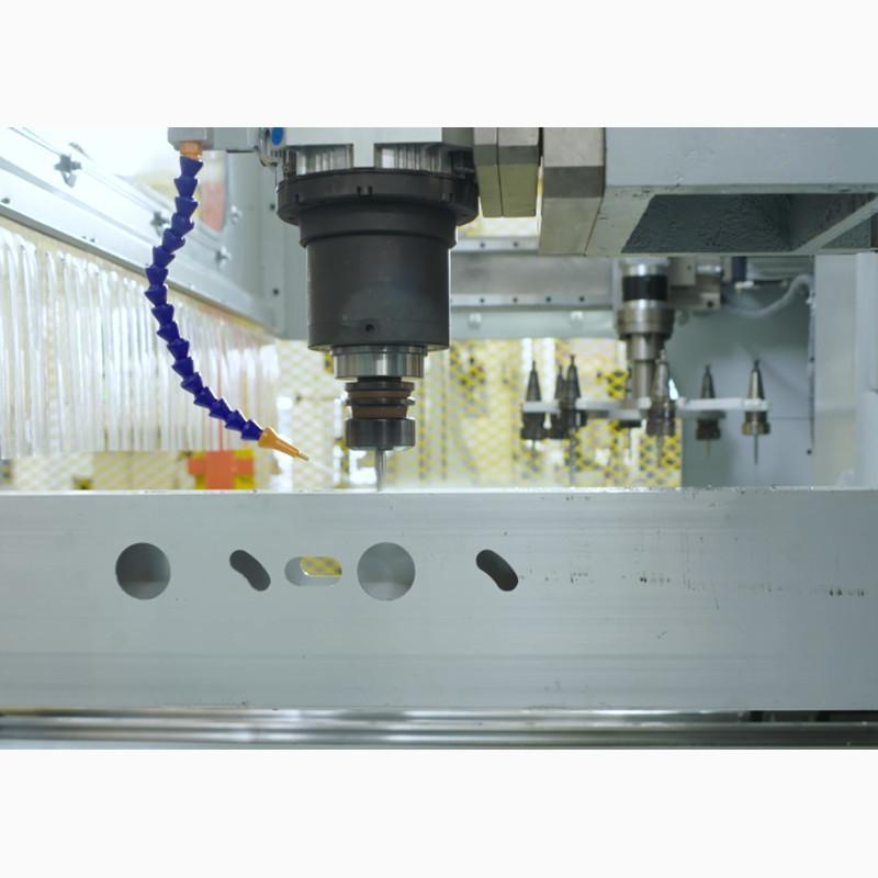 铝型材汽车防撞梁数控加工中心铝型材特宽型材加工设备