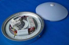 12W led应急吸顶灯,应急亮度为6W,应急时间为3小时