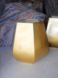 六边金色花盆