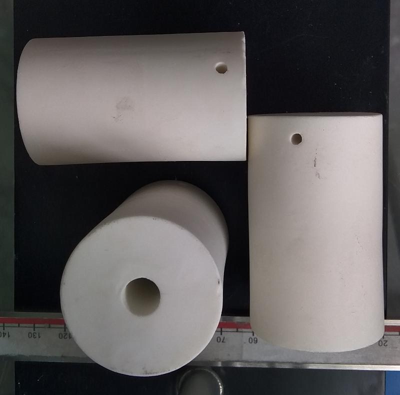 氧化铝十字孔陶瓷柱
