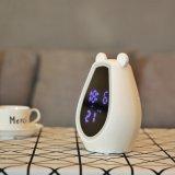 USB充电多功能闹钟 创意化妆镜面音响配置台灯床头钟