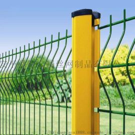 厂家生产现货双边护栏三角折网桃型柱防护网