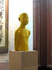 酒店大堂透明树脂人物雕塑艺术品摆件