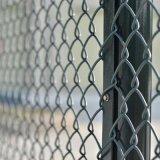 球場安全網廠家定製籃球場排球場防護網綠色勾花網護欄張家口現貨