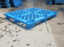 藍色塑膠托盤