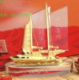 廣州環典工藝一帆風順擺件製作,水晶一帆風順擺件送人禮品紀念品