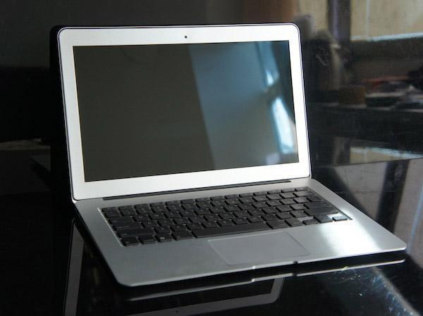 笔记本电脑 (133S)