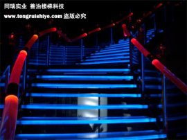发光玻璃楼梯 景观玻璃楼梯