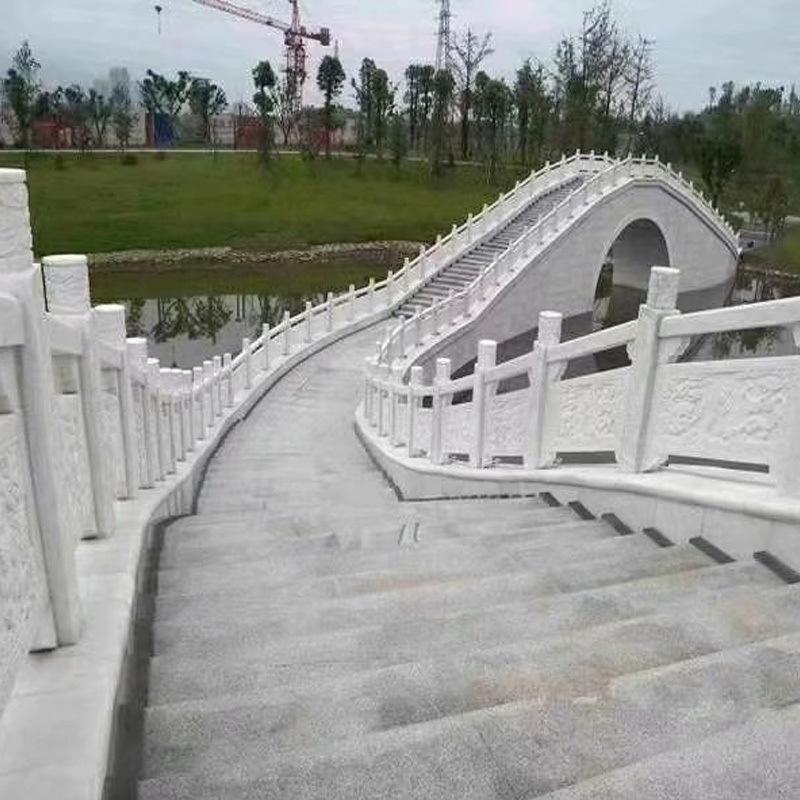 大量定做草白玉栏杆-曲阳县聚隆园林雕塑有限公司