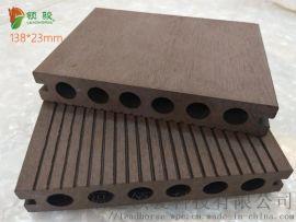 塑木地板厂家直营庭院花园露台户外防腐圆孔木塑地板