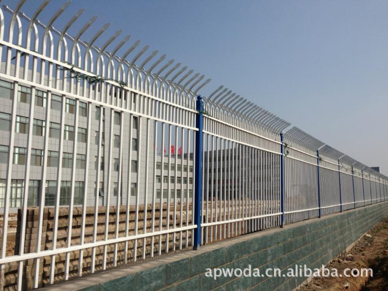专业推荐实用小区护栏网、锌钢护栏、厂区护栏