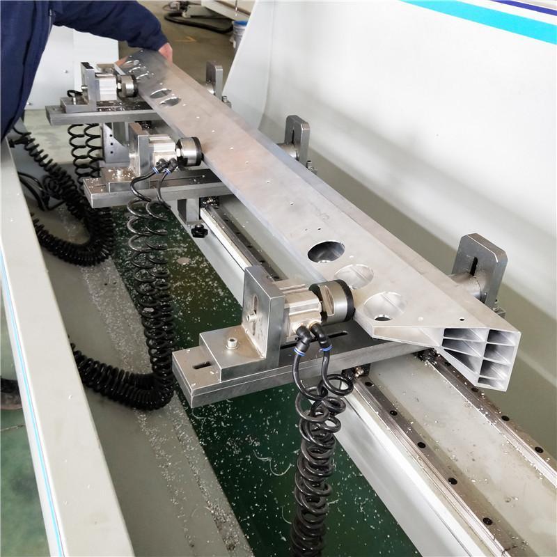 铝型材四轴翻转台加工中心工业铝数控加工中心