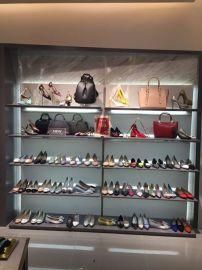 丹比奴时尚女鞋:**受消费者关注的品牌之一