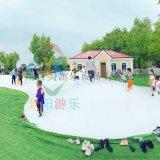 江苏南京网红小  制彩色蹦蹦云吸引了大批游客玩耍