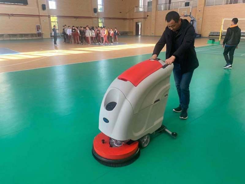无锡工厂洗地机-全自动洗地机