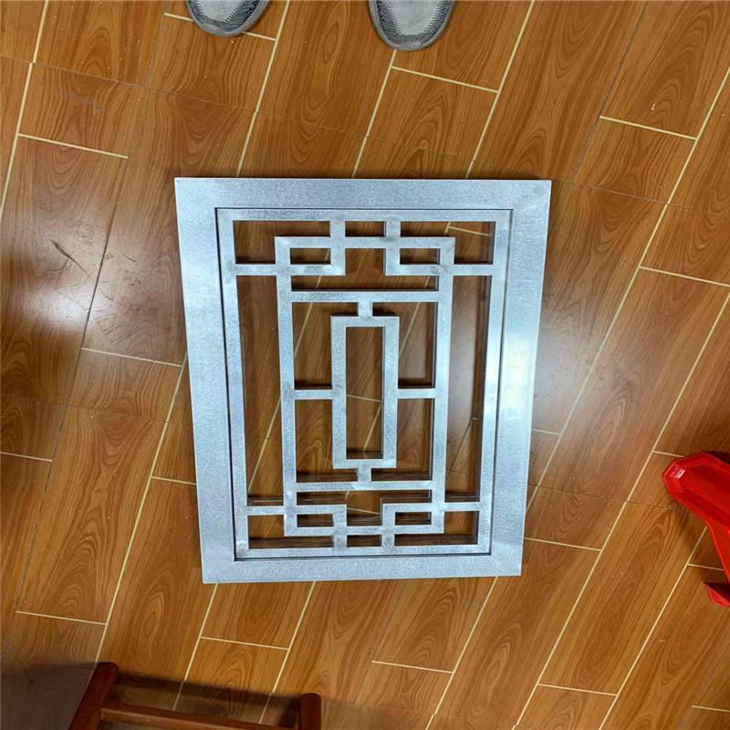苏州仿木纹铝花格窗棂 复古铝合金窗花图片