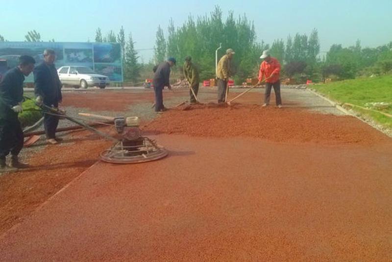 上海泰安透水地坪彩色混凝土透水路面厂价直销包指导施工30MM