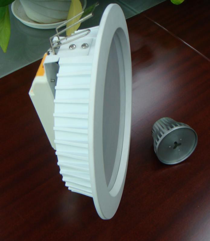 壓鑄鋁(ADC-12)8寸30W筒燈外殼