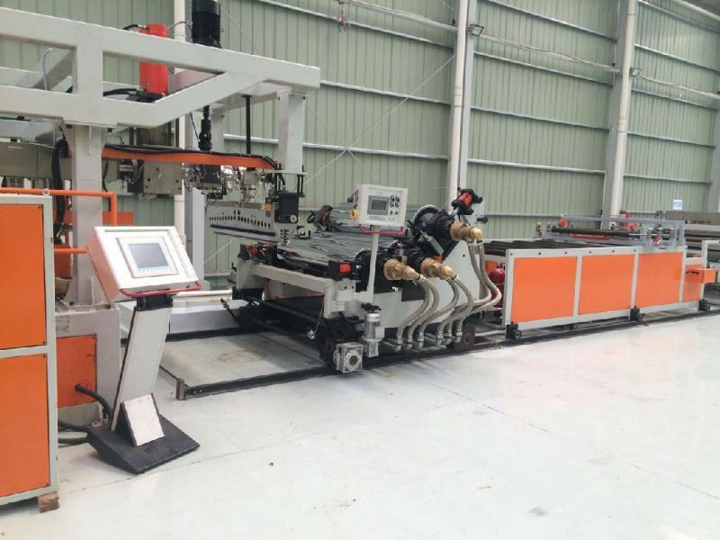 厂家专业生产PET双螺杆挤出片材机 PET多层共挤片材线欢迎订购