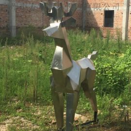 湖南不锈钢鹿型动物雕塑。玻璃钢雕塑制作工厂
