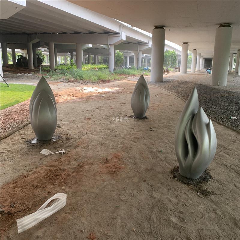 花都玻璃钢小品雕塑 花园装饰小品雕塑造型