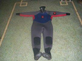 连帽连体 全干式潜水服 水下工程潜水衣完全防水