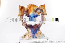公司上市紀念品定做 深圳琉璃工藝品定做,琉璃握手獎盃定做,最佳合作伙伴紀念品,禮品定製